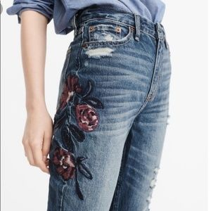 Abercrombie & Fitch Embroidered girlfriend jeans